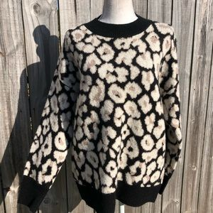 Vince Camuto Leopard Print Sweater size Small NWT